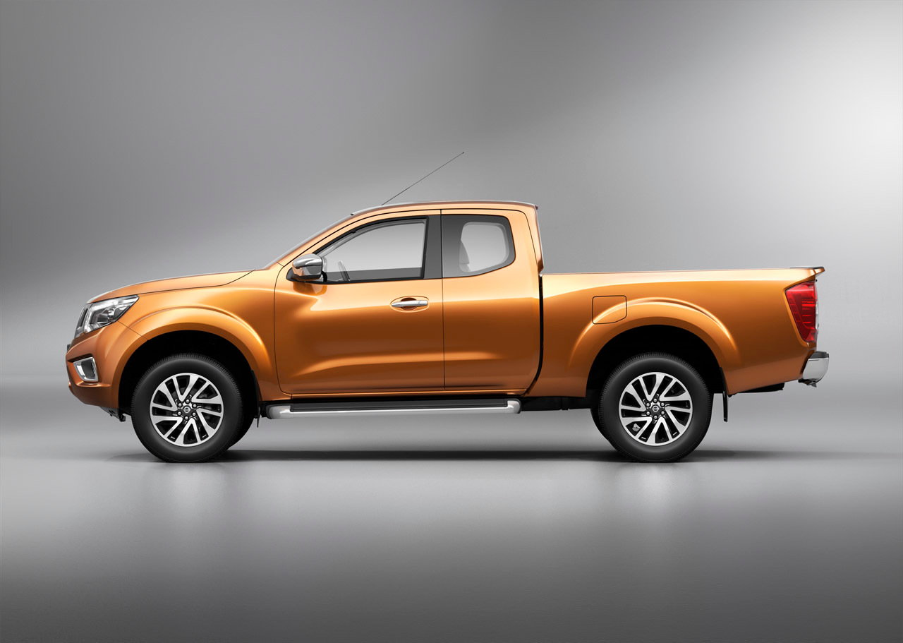 2015 Nissan Frontier Side