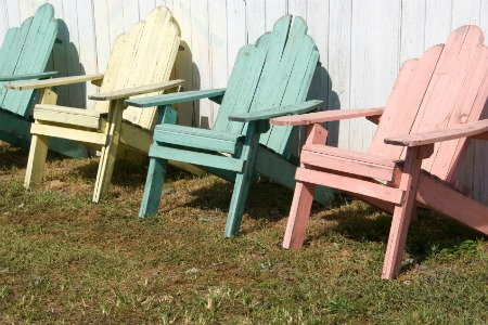 Shabby Chic Painted Furniture: 3 Colors to Stick To  DoItYourself.com