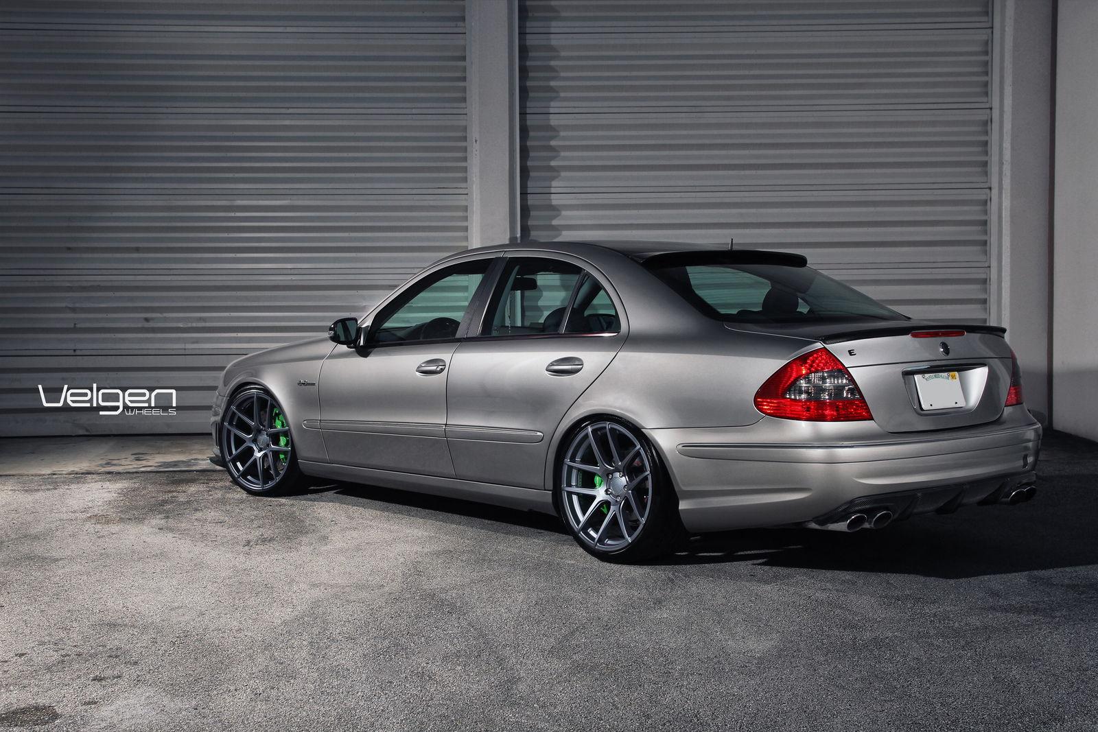 Mercedes benz w211 for Mercedes benz online