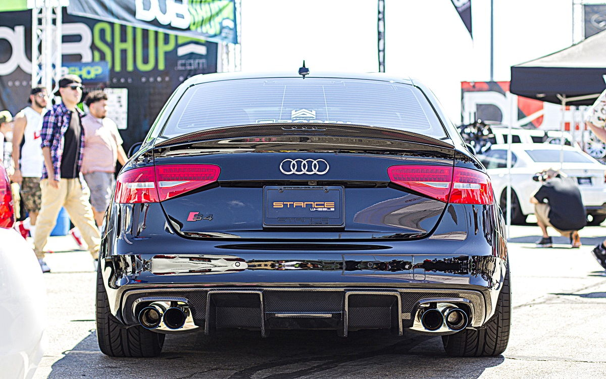 dark vader audi s4 b8 5 with armytrix f1 edition catback valvetronic exhaust videos. Black Bedroom Furniture Sets. Home Design Ideas
