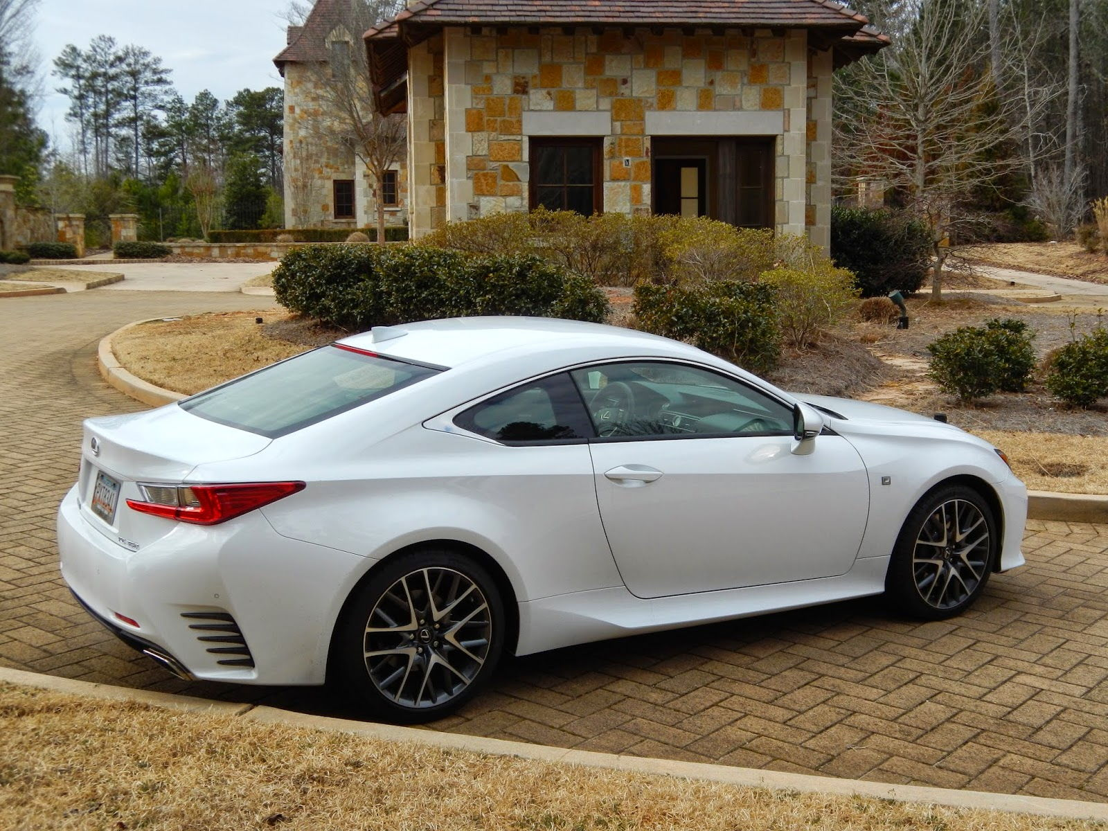 Lexus rc coupe white