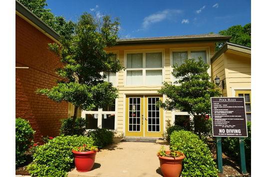 Woodhollow Apartments Reviews