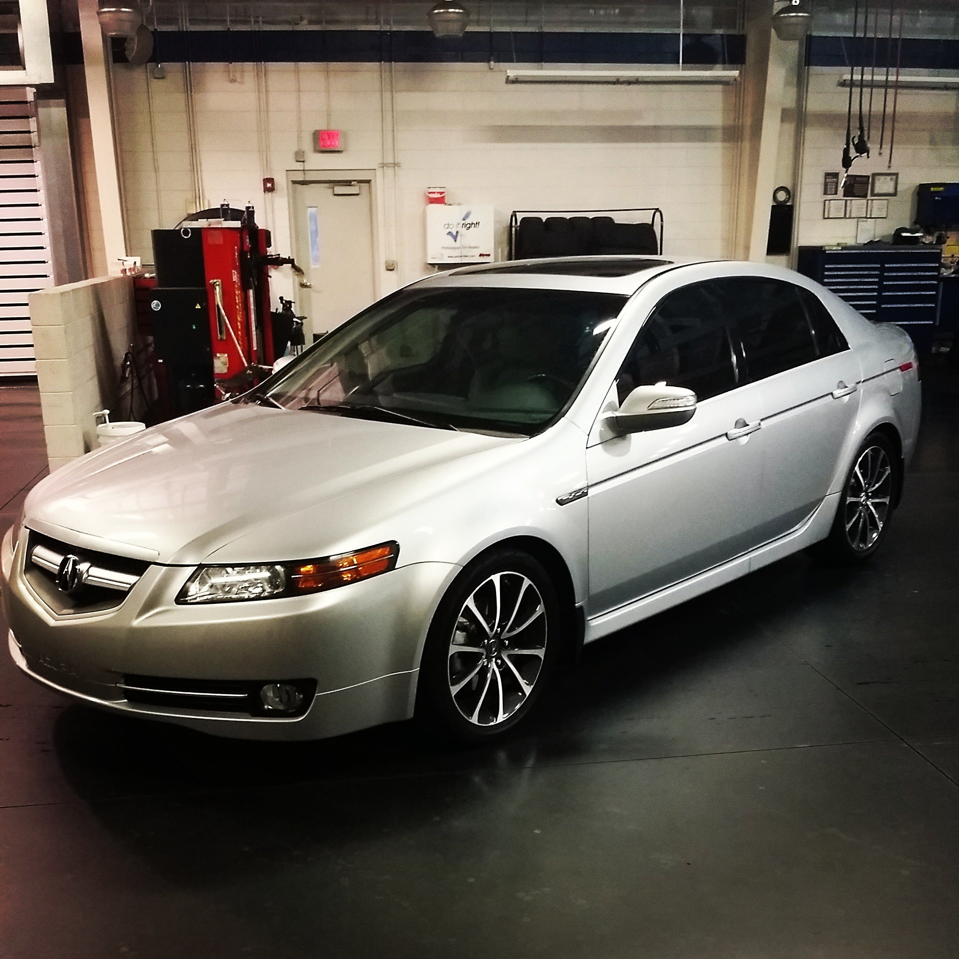 CLOSED 2015 TLX Factory V6 Wheel/Tire Set *Baltimore, MD