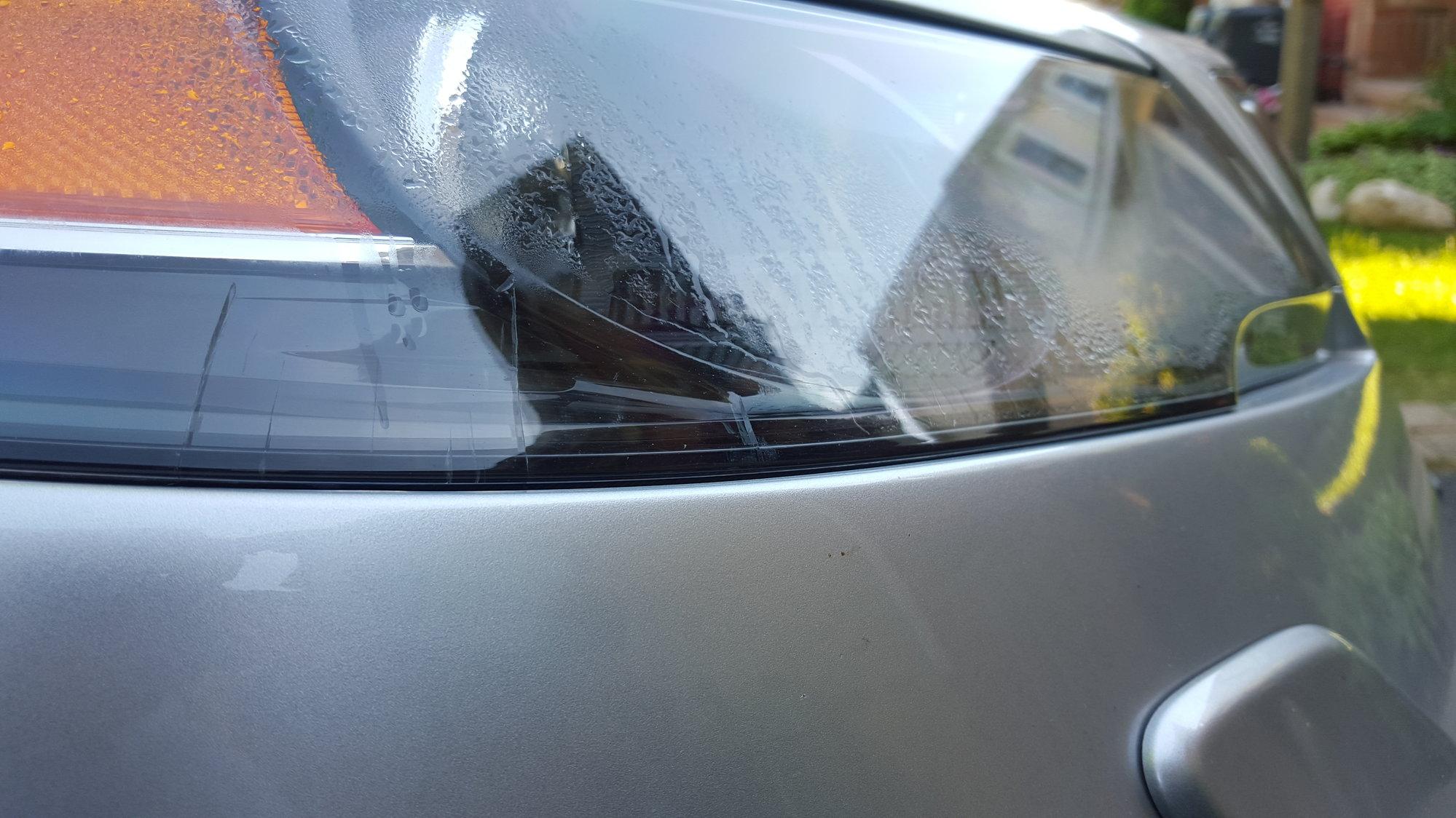 Cracks on headlight housing - AcuraZine - Acura Enthusiast