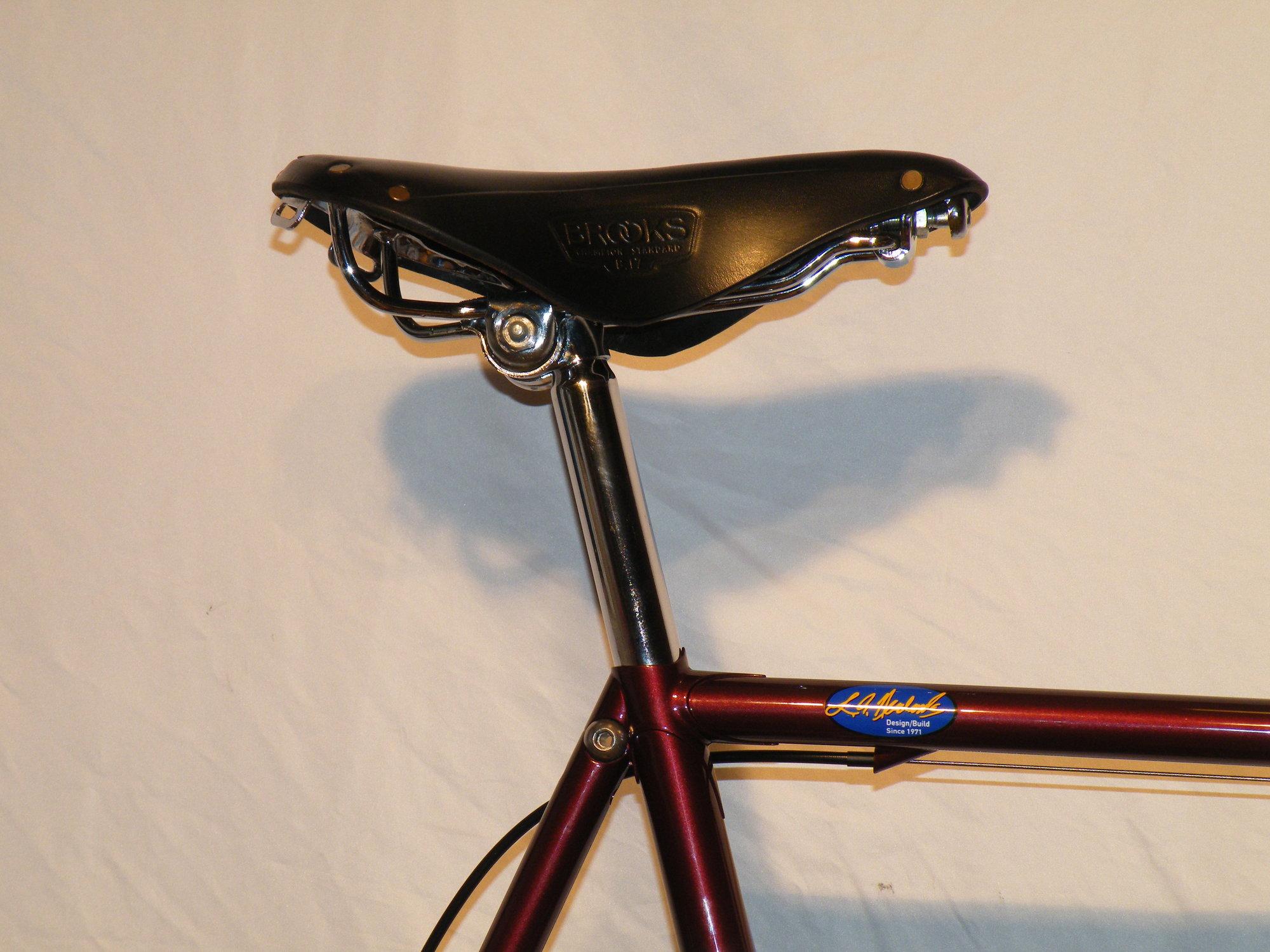 Brooks Swift Antique Brown en acier chromé Rail