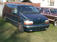 !000001 95 Chrysler Town & Country