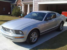 """After Mods, Grill, Pony Bar emblems, Hust shifter, DG customs quater window ouvers, Shorty 8"""" entena, Single Flow Masters, K&N CIA."""