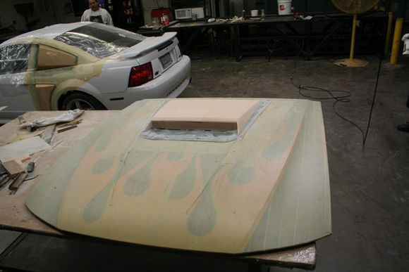 and more pics of the Xenon hood scoop