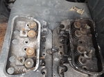 Cylinder heads left and right