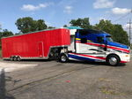 2000 Kenworth T2000 and 2002 Featherlite Aluminum Stacker Tr