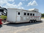 2011 4 Star 4 Horse Reverse Load BP w/ Cargo Toy Hauler Car