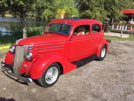 Attention grabbing 1936 Ford street rod