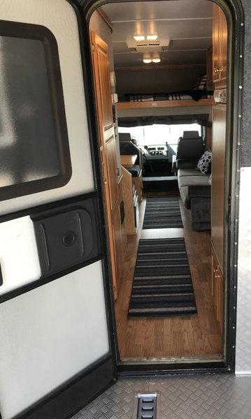 2001 Freightliner United 1410 Garage Unit  for Sale $74,990