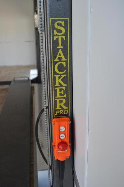 IN STOCK ELKHART, in 26' Team Spirit Stacker w/ 6k Axl