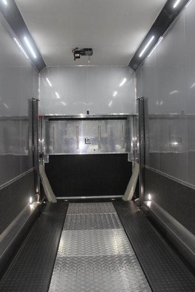 Loaded 26' Alum Stacker 14' Full Floor Lift