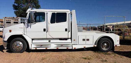 2001 Freightliner Sportchassis FL60  for Sale $43,000