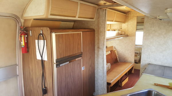 1977 27' AIRSTREAM LAND YATCH