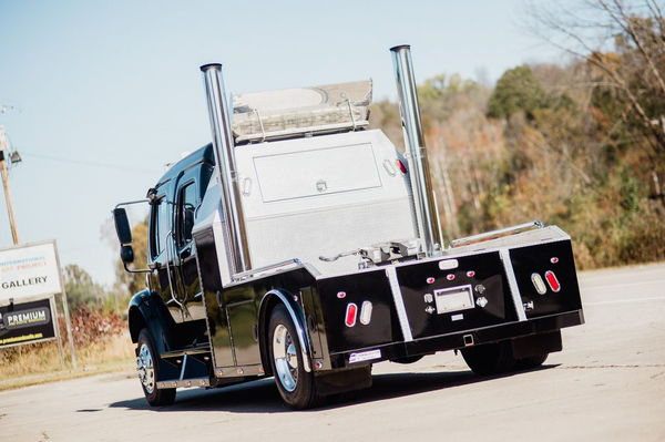 2006 FREIGHTLINER SPORTCHASSIS M2-106 MERCEDES  for Sale $87,500