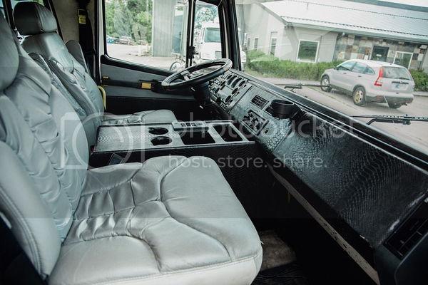 1999 FREIGHTLINER SHOW HAULER FL60 CAT  for Sale $45,000