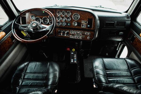 2001 PETERBILT 385 BIG BLOCK C-12 CUSTOM HAULER  for Sale $79,500