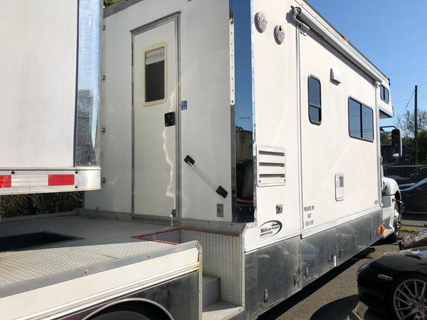 """2005 Renegade """"Columbia"""" with or without 44ft PACE  for Sale $132,500"""