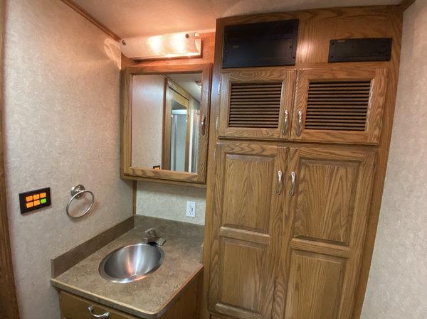 2007 ShowHauler Freightliner Motorhome Rear Bedroom