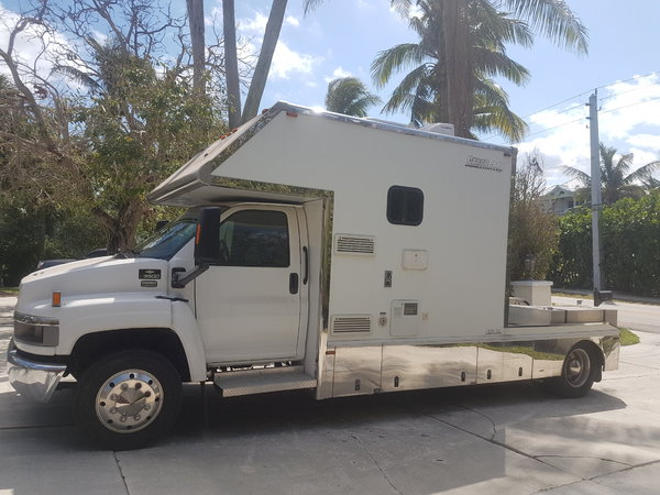 2006 Chevrolet C5500 Pony Express Toterhome - Low Mileage  for Sale $64,900