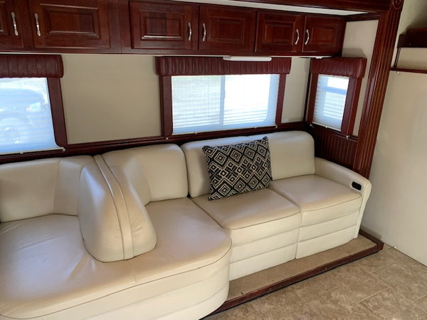2006 Freightliner Coronado,  3-Slide - Detroit Series 60   for Sale $184,900
