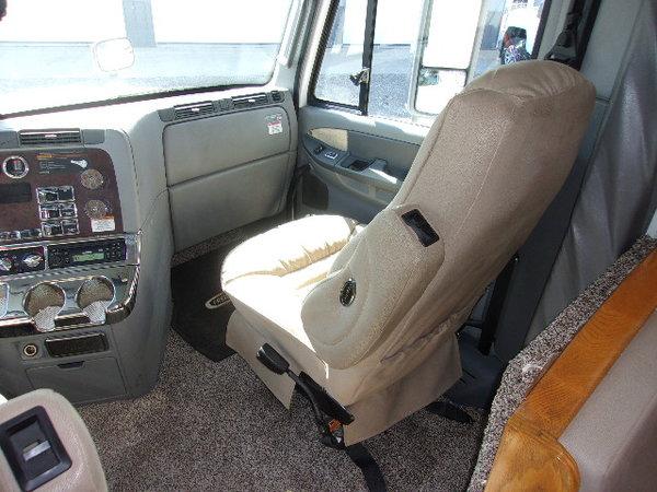 2005 Renegade 22' rear bedroom totor