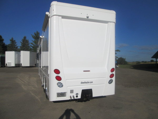 Used 2019 Showhauler 39' tandem axle coach