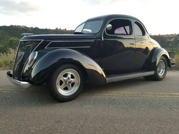 ALL STEEL Pro Street 1937 Ford Coupe, Big Block, STUNNING