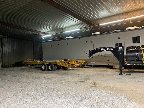 2014 Volvo w/ 2001 Featherlite Stacker  for Sale $150,000