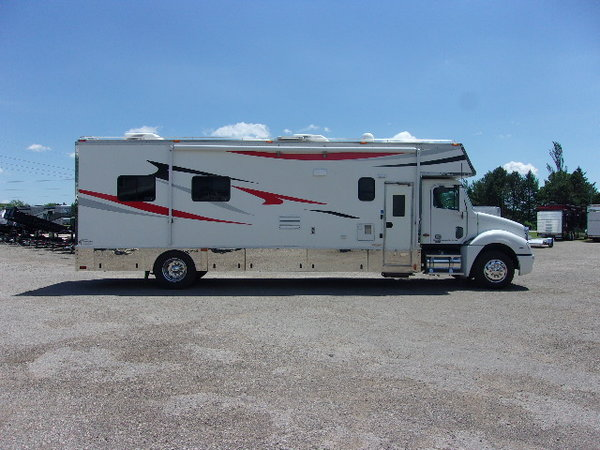 2003 Renegade 28' conversion  for Sale $119,000