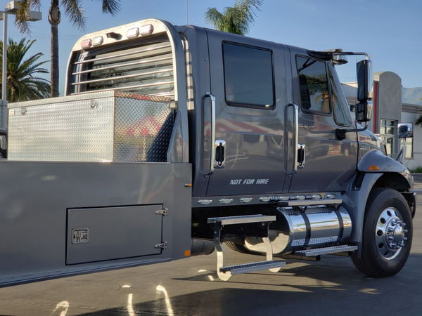 Freightliner 4x4 Quad Cab ( Updated description) low miles
