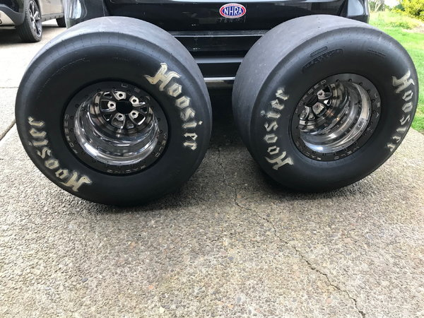 Weld V-series 15X14 Double Bead Locks with new Hossier 32x14  for Sale $3,100