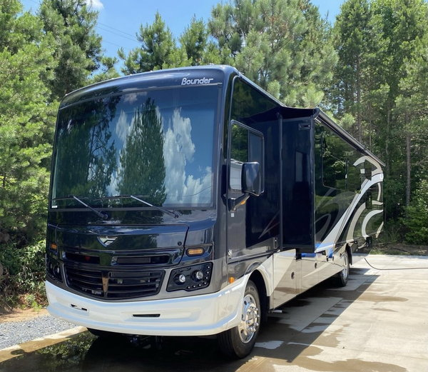 2019 Bounder 36f  for Sale $139,000