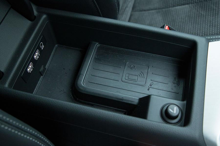 Audi Q5 Phone Box Wireless Charging Audiworld Forums