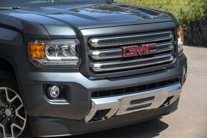 2016 gmc canyon review carsdirect. Black Bedroom Furniture Sets. Home Design Ideas