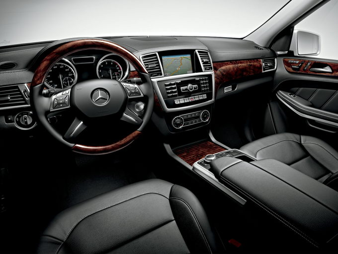 2016 Mercedes Benz Gl550 Review Carsdirect