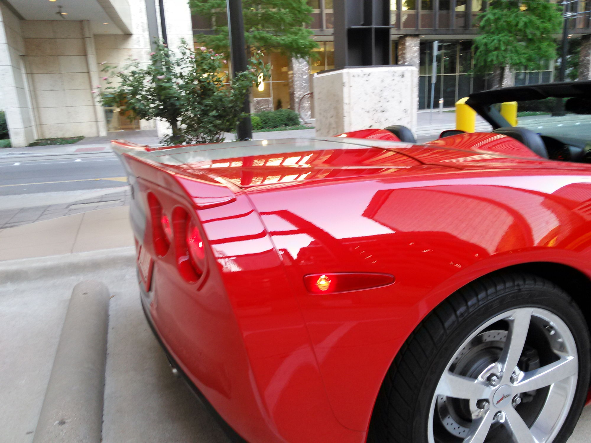 This isn t the ss vettes one but it s basically the same thing zr1 extended from c7 carbon