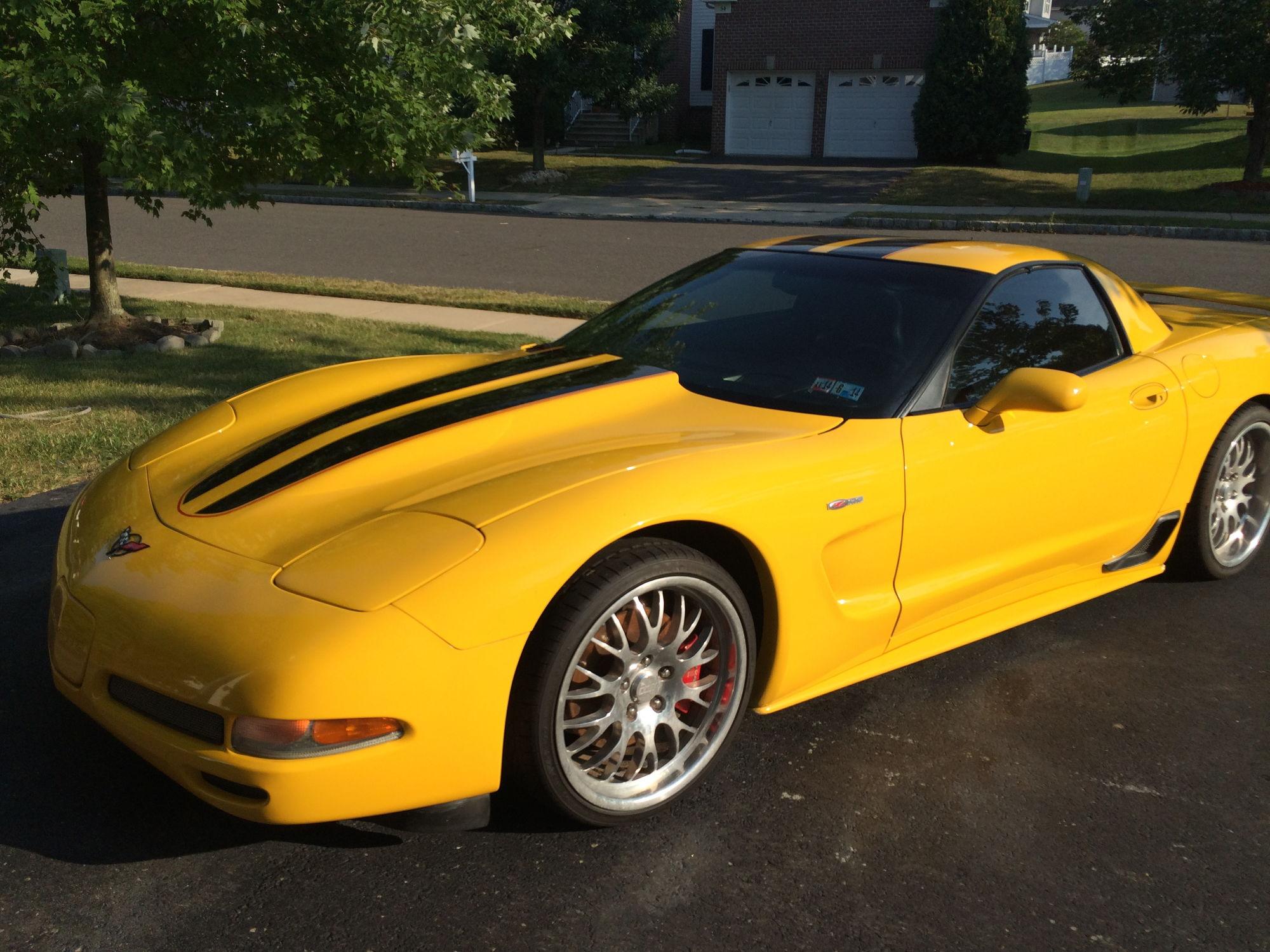 02 c5 z06 millenium yellow w stripes 36k miles asking 22k corvetteforum chevrolet corvette. Black Bedroom Furniture Sets. Home Design Ideas