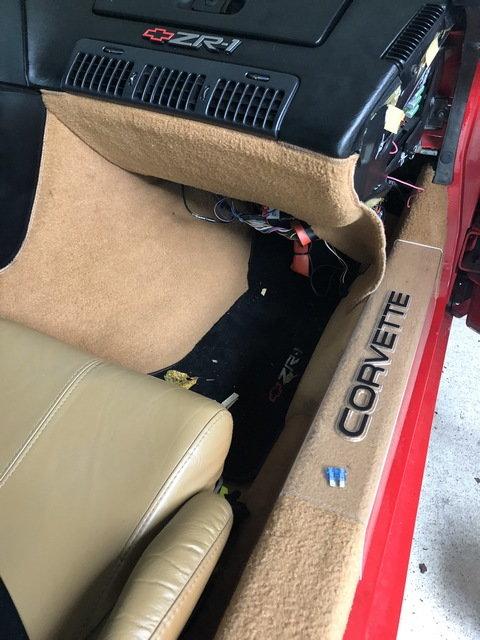 89 corvette fuse box 1989 auxiliary fuse box location corvetteforum chevrolet  1989 auxiliary fuse box location
