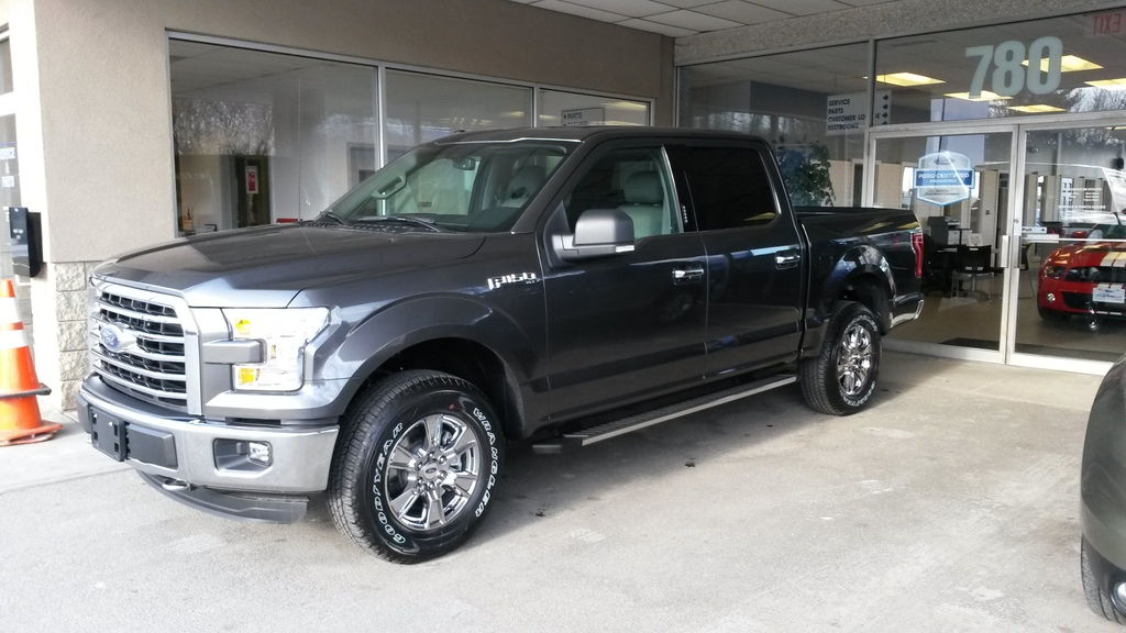 picked up my new supercrew last night ford f150 forum. Black Bedroom Furniture Sets. Home Design Ideas