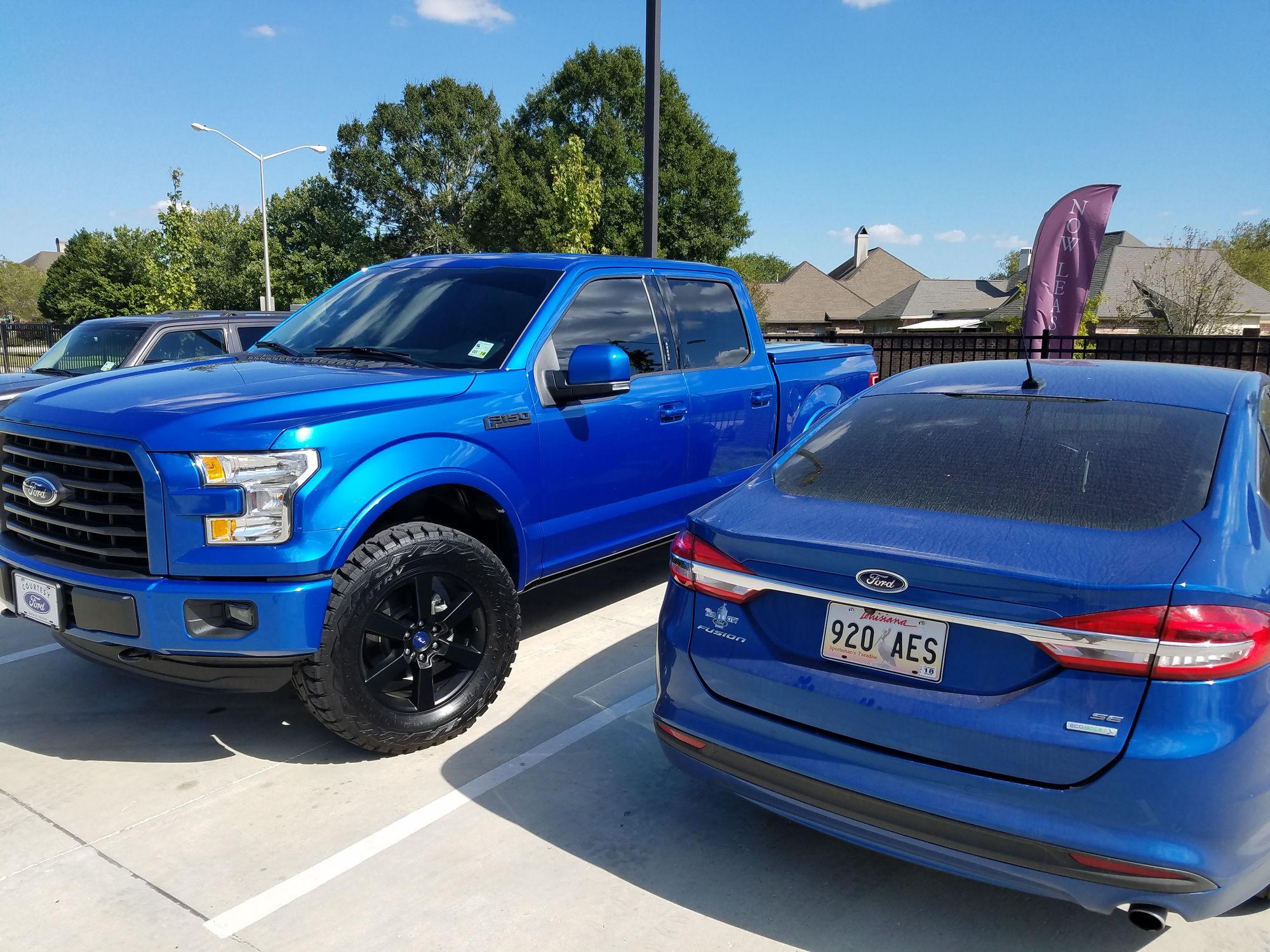 Ford F 150 Lightning Blue Lilianduval