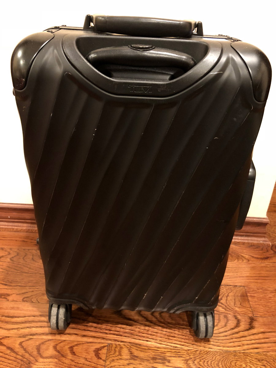 Tumi 19 Degree Vs Rimowa Topas Got Carry On Flyertalk Forums Hanger 2 Chips In The Finish Up Close
