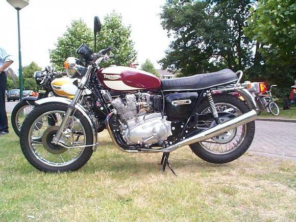 4th Bike   1976 Triumph 750