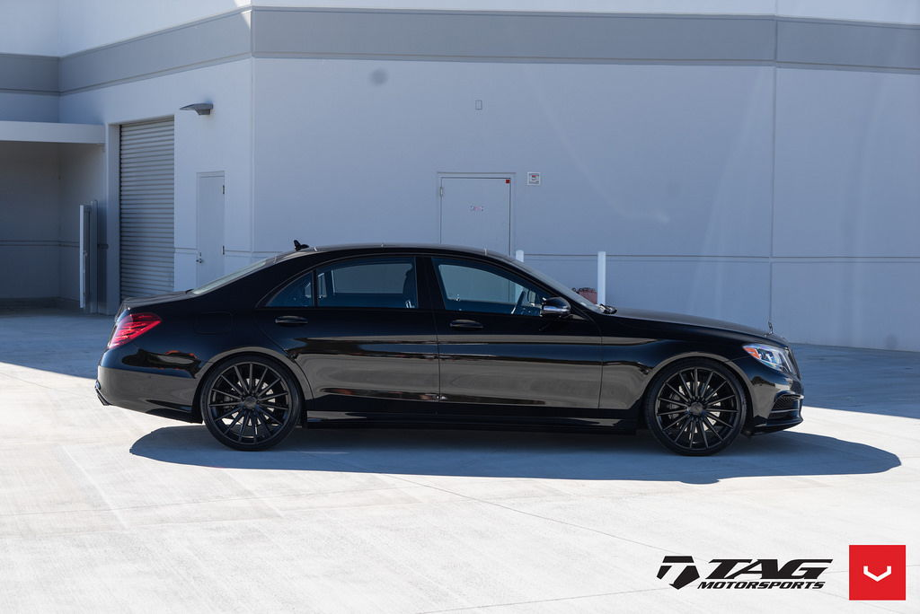 Blacked out mercedes s class vossen vfs 2 gloss black for Mercedes benz factory tint