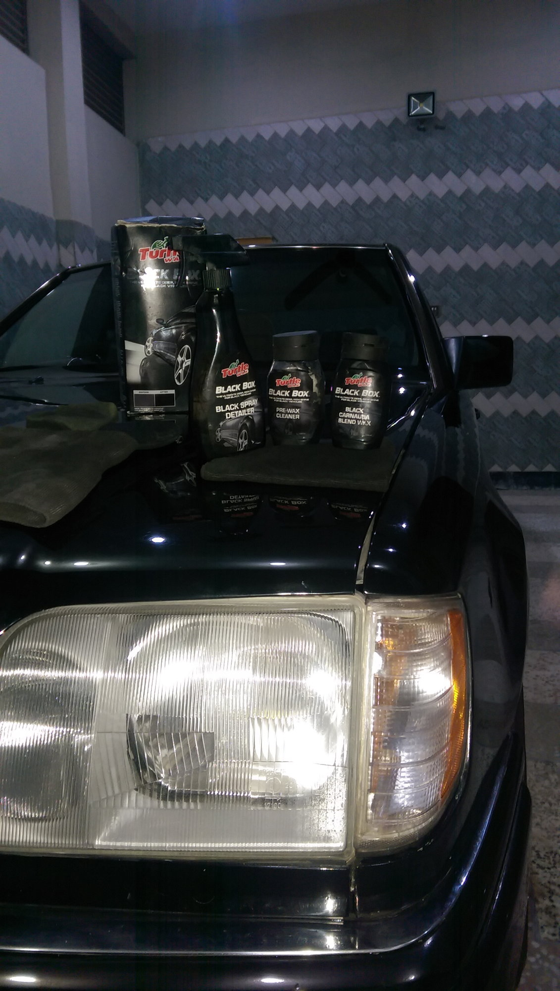 W124 1990 Restoration Project Forums Mercedes Fuse Box The Best Wax I Ever Used Is This Oneturtle Black Its Bit Time Consuming But Results Were Amazingin A Package It Had 3 Different Products