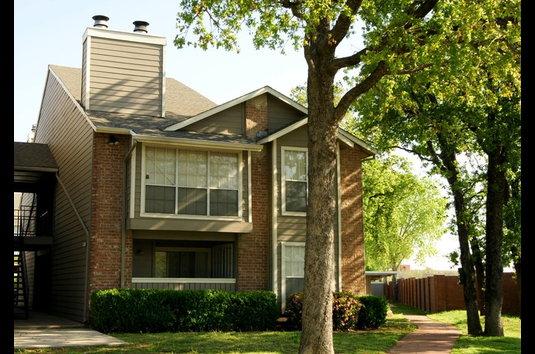Image Of Woodbridge Apartments In Bedford, TX