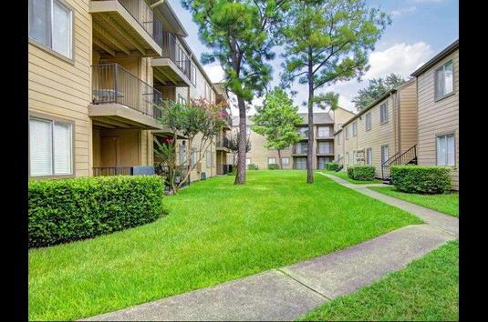 Woodtrail Apartments Houston Tx